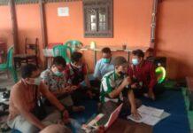 REMBUK - Paguyuban pedagang Pasar Trayeman bersama pengurus APPSI menggelar musyawarah membahas kenaikan sewa kios.