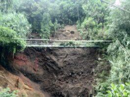 LONGSOR. Terancam longsor, enam KK di Rt.13/Rw.05 Desa Tambi Kejajar terpaksa diungsikan.
