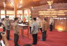 DILANTIK. Sejumlah pejabat Eselon III di lingkungan Pemerintah Kabupaten Temanggung dilantik di Pendopo Pengayoman,