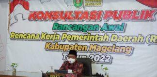 KONSULTASI PUBLIK. Bupati Magelang Zaenal Arifin Saat melaksanakan konsultasi publik Rancangan Awal RKPD Kabupaten Magelang Tahun 2022.