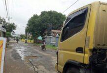 159 Kilometer Jalan Kabupaten Rusak