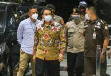 Azis Syamsuddin telah ditetapkan sebagai tersangka kasus dugaan korupsi penerimaan hadiah atau janji di Kabupaten Lampung Tengah, Lampung.